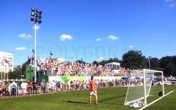 Освітлення футбольного поля