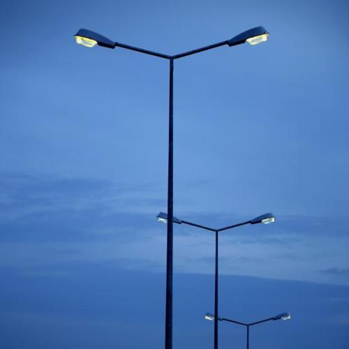 Дорожні опори освітлення